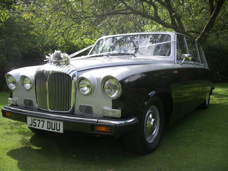 Hire this wedding limousine for your special day from Manchester Wedding Cars.
