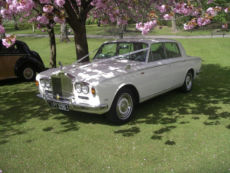 Hire this beautiful Rolls Royce for your wedding day.